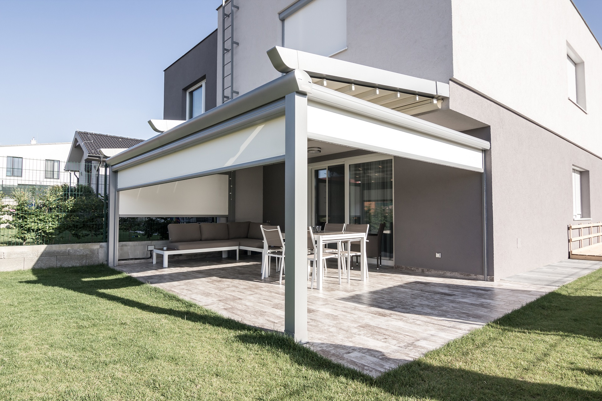 Pergola Avantgarde + I zip screen